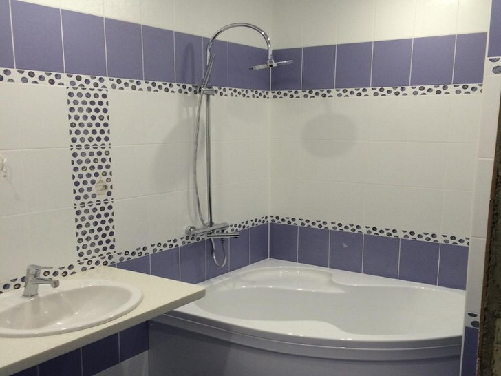 Угловая ванна: выбрать правильный размер