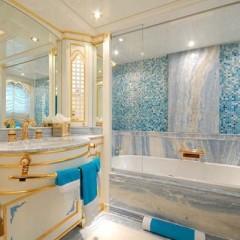 Дизайн мраморной ванной комнаты
