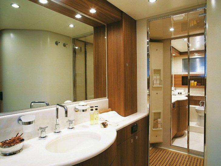 Как выбрать потолочные светильники для ванной комнаты (27 фото)