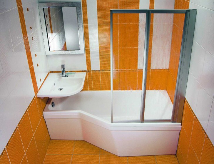 Дизайн и особенности угловой ванны с душевой кабиной (28 фото)