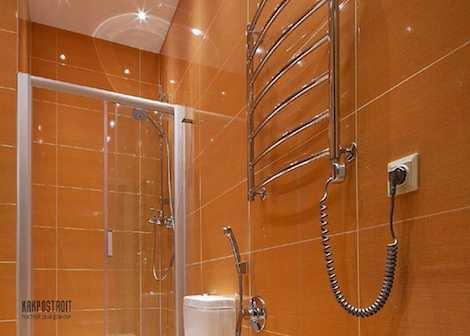 Ванная с полотенцесущителем