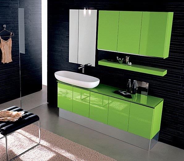 Салатовая мебель в ванной