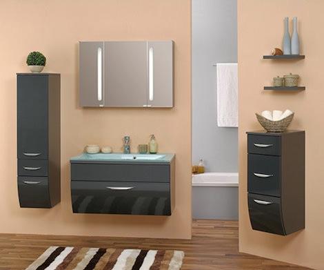 Темная мебель в ванной