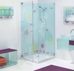 Мебель ванной из стекла
