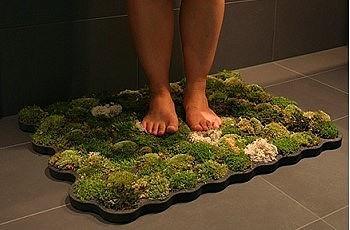 Зеленый коврик для ванной