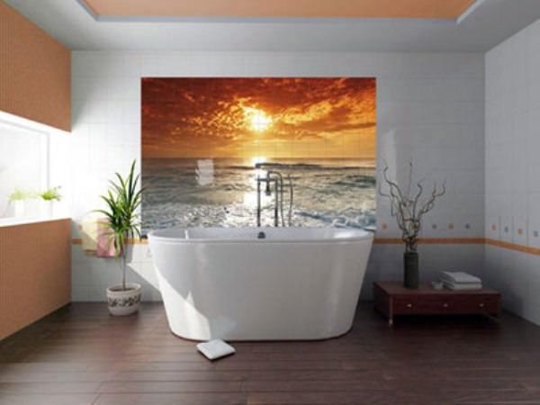Большая картина в ванной