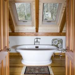 Ванная в деревянном дломе