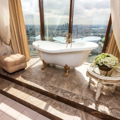 Ванная с панарамными окнами