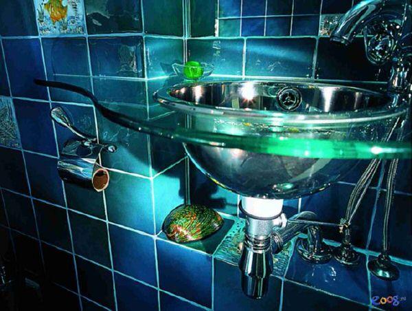 Дизайн ванной со стеклянной раковиной