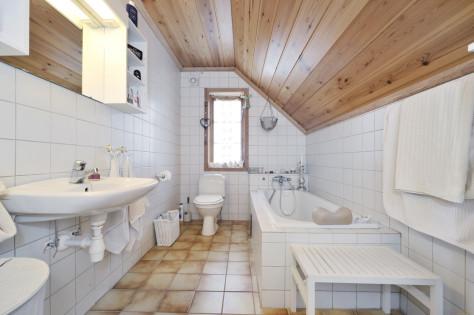 Оформление современной ванной комнаты и туалета: видео, (55 фото)