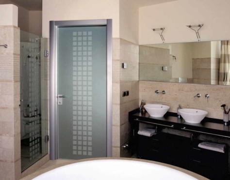 Варианты дверей в ванную и туалет: видео установки двери, 58 фото